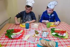 Przedszkolaki-przygotowuja-wiosenne-kanapki-3